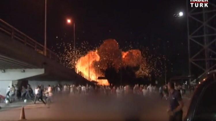 فيديو جديد يظهر استهداف مديرية أمن أنقرة بطائرات الانقلابيين