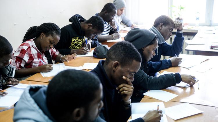 عدد الطلاب الأجانب في روسيا يقترب من ربع مليون