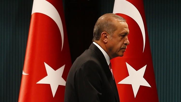 وسائل إعلام: روسيا أنذرت أردوغان قبل وقوع الانقلاب!