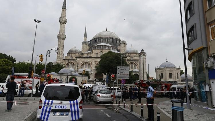 السلطات التركية تجهز مقبرة