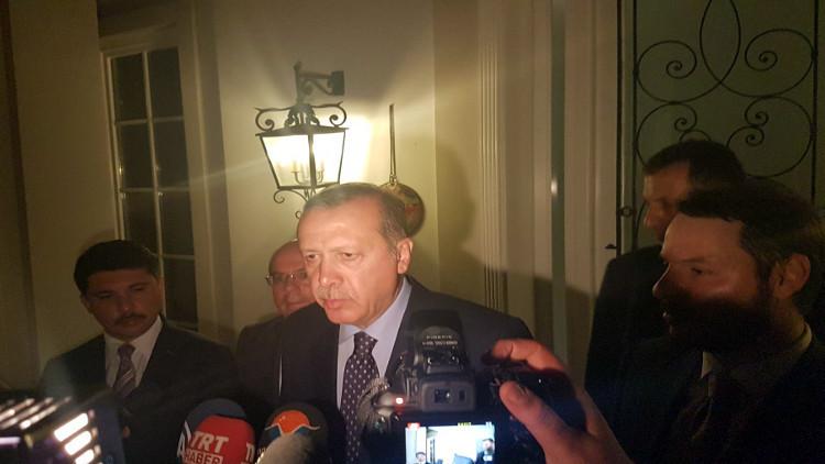 الرئاسة التركية تنفي رفع أردوغان للأذان