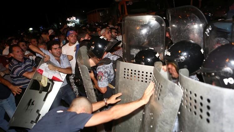 الاتحاد الأوروبي يدعو لتجنب العنف في أرمينيا