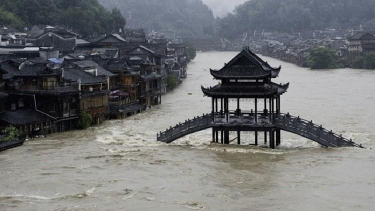 مصرع وفقدان 100 شخص جراء أمطار غزيرة في الصين