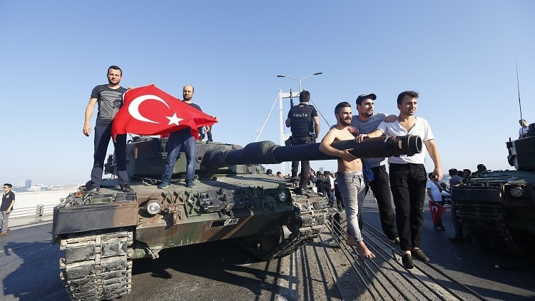 لماذا نجح الجيش المصري وفشل التركي؟