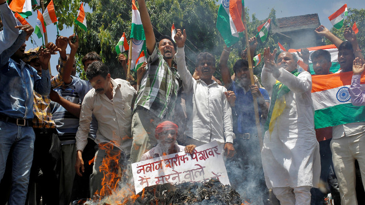 الهند وباكستان تجددان نزاعهما القديم