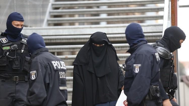 شبهة الإرهاب تحوم حول مئات اللاجئين في ألمانيا