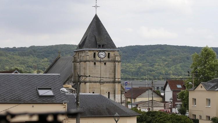 باريس تحدد هوية أحد مهاجمي الكنيسة