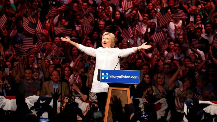 كلينتون مرشحة رسمية لانتخابات الرئاسة