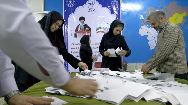 تقديم موعد الانتخابات الرئاسية في إيران