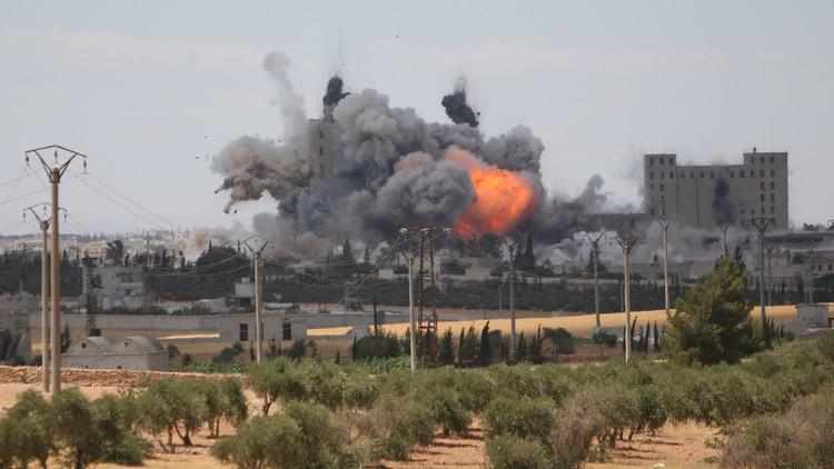 أنباء عن مقتل نحو 30 مدنيا في غارة جوية جديدة على ريف منبج