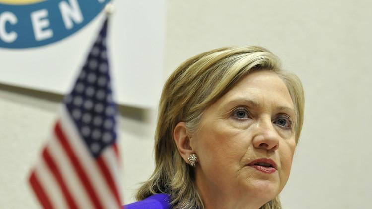 على كلينتون البحث عن أعدائها في مقرها الانتخابي وليس في موسكو