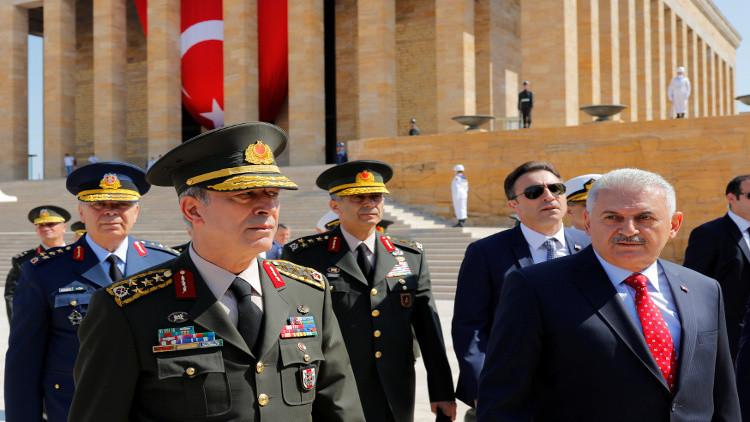 السلطات التركية تقيل أكثر من 66 ألف موظف