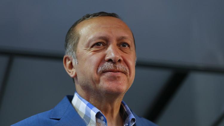 أردوغان: الانقلابيون شذبوا لحيتنا!