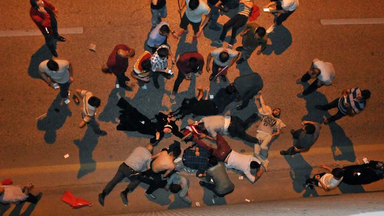 أنقرة تعوض أسر ضحايا محاولة الانقلاب