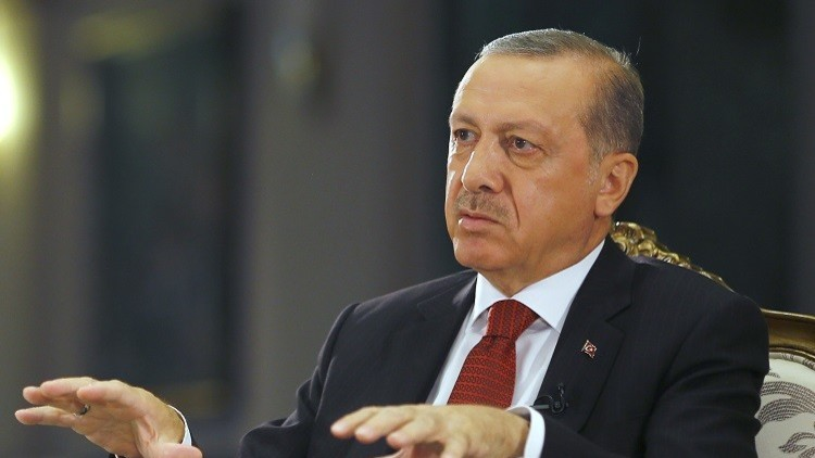 أردوغان ينتقد واشنطن ويرفض الانتقادات الغربية