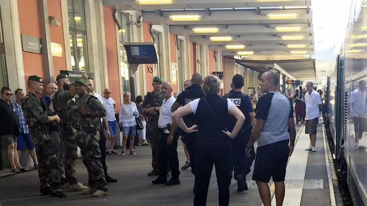 أنباء عن اعتقال شخصين يشتبه بصلتهما بالإرهاب في قطار بفرنسا