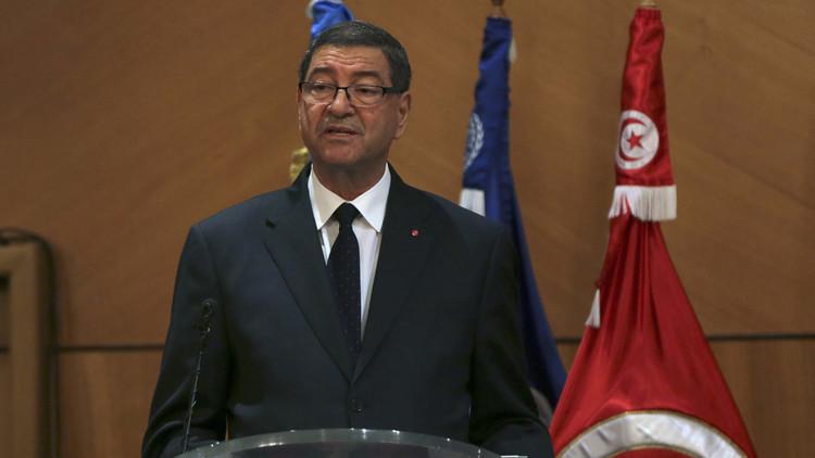 تونس.. ماذا بعد حجب الثقة عن حكومة الصيد؟
