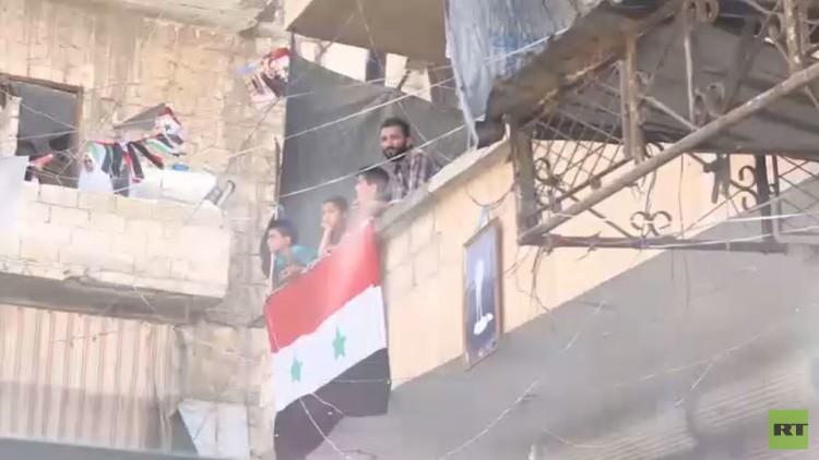 عدسة RT ترصد خروج العشرات من مدنيي حلب