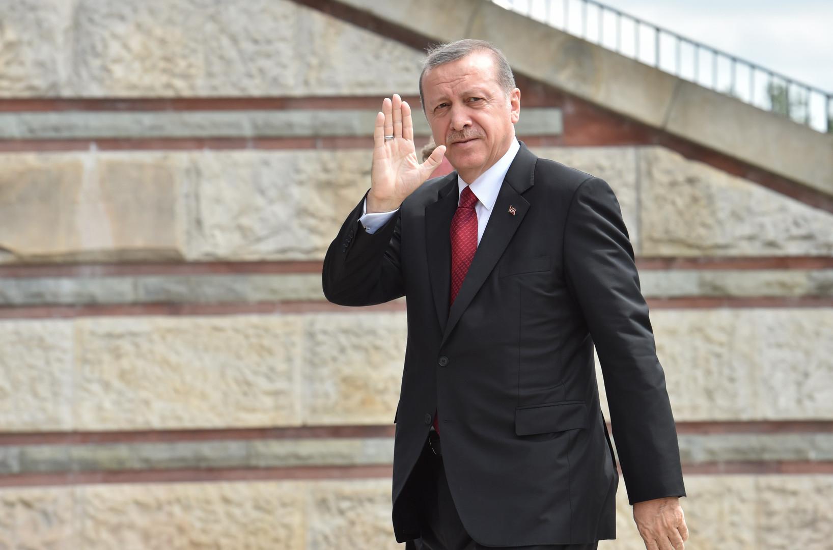 أردوغان يسرِّح