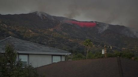 موجة إجلاء منازل جديدة في كاليفورنيا بسبب حرائق الغابات