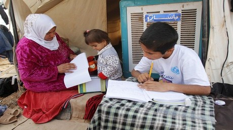 عائلة عراقية نزحت بسبب العنف