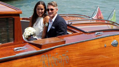 زفاف شفاينشتايغر ونجمة التنس الصربية إيفانوفيتش (فيديو وصور)