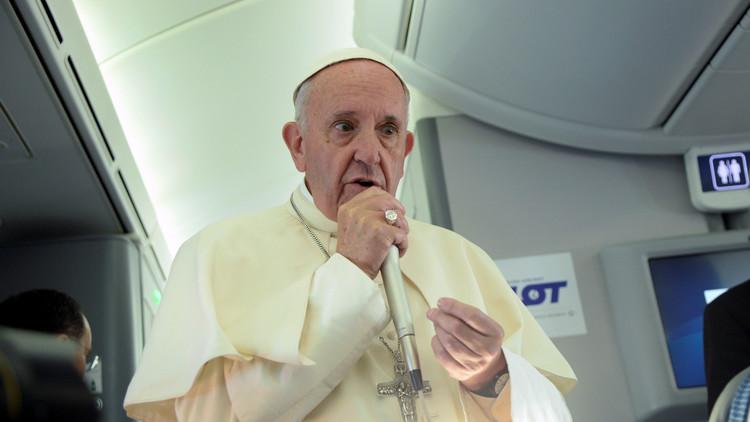 البابا: لا يمكن الربط بين الإسلام والإرهاب