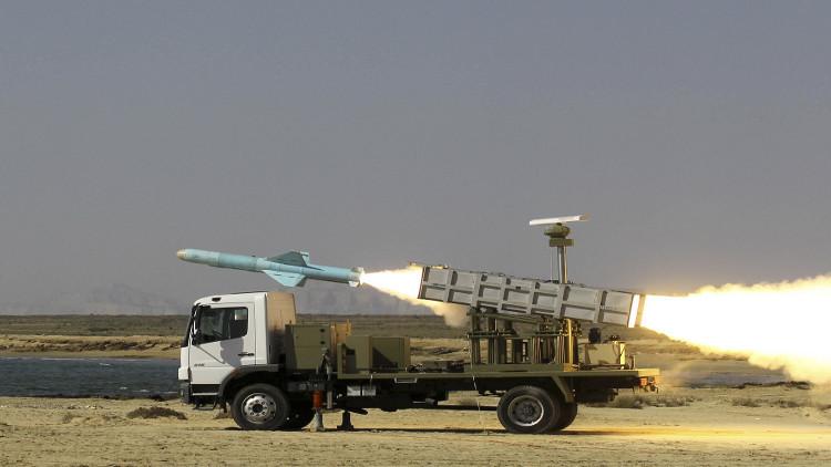 طهران تهدد بالرد بالصواريخ بعيدة المدى على أي