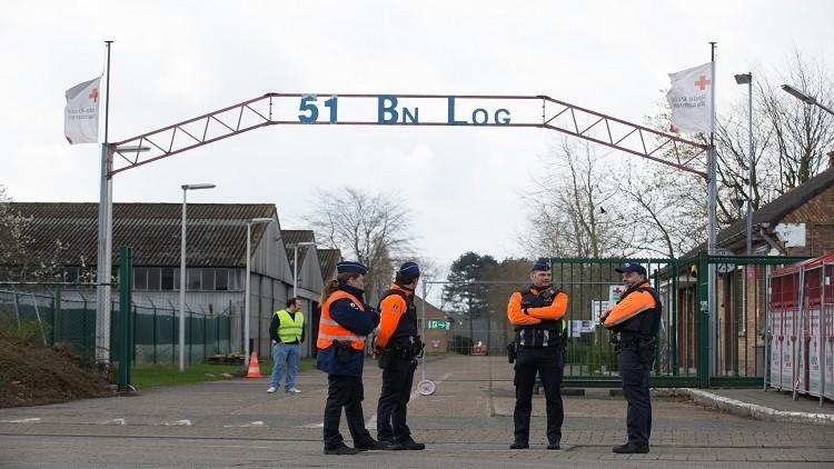 لاجئ يطعن كاهنا بسكين في بلجيكا