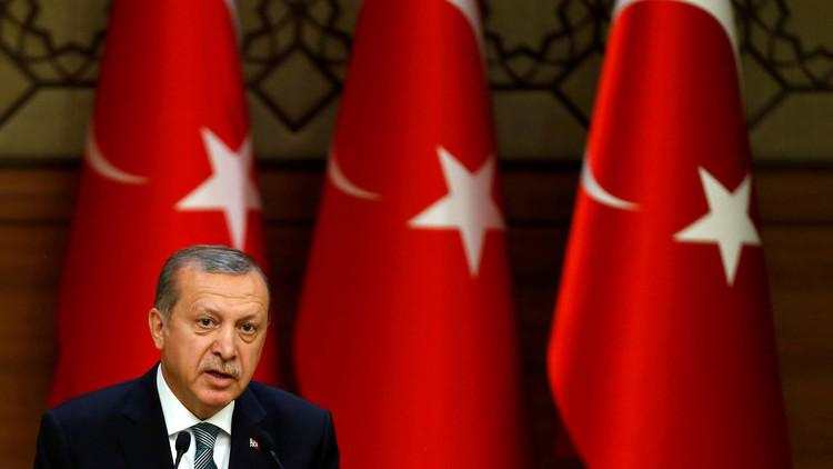 أردوغان يتهم الغرب بدعم الإرهاب والانقلابيين