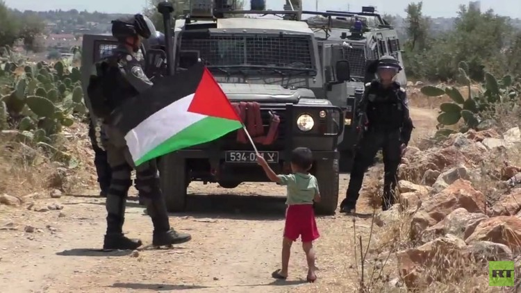 نتنياهو يبرر قتل جنوده للفلسطينيين