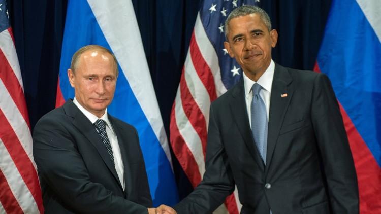 بوتين يهنئ أوباما بعيد ميلاه الـ55 !