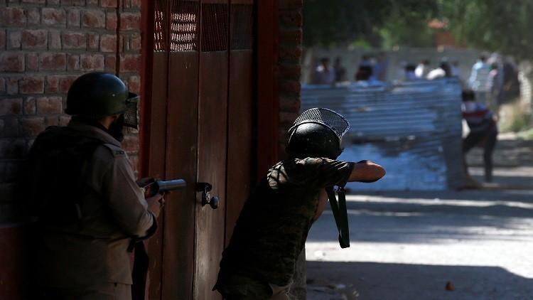 قتلى وجرحى في كشمير على يد القوات الهندية