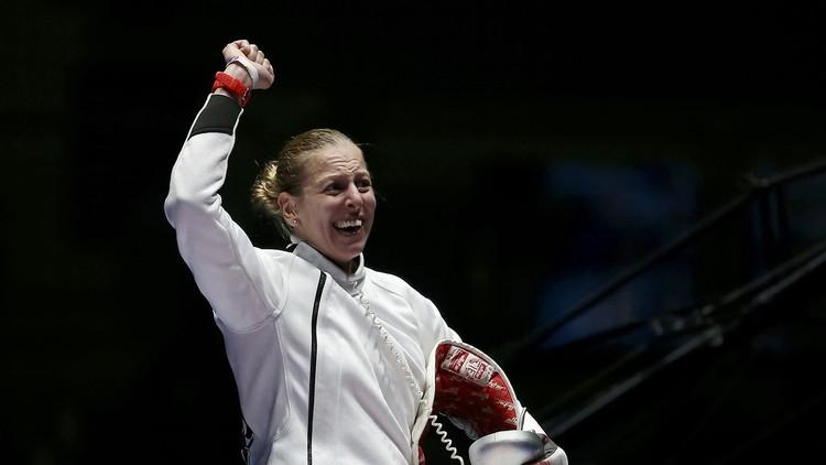 المجرية إيميسي تفوز بذهبية المبارزة في ريو