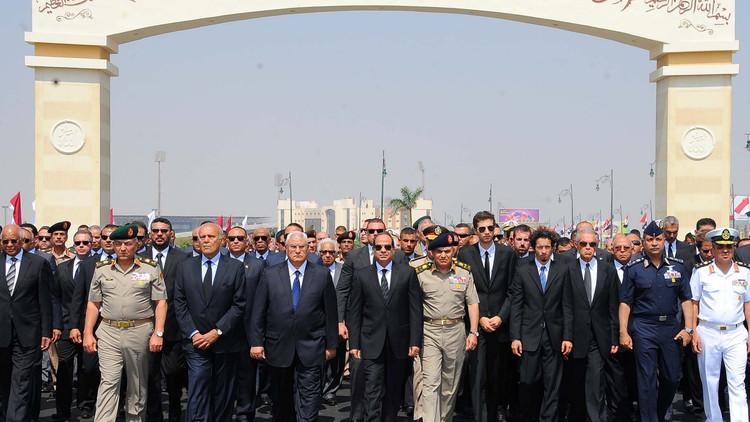 مصر تودع زويل بجنازة عسكرية يتقدمها السيسي