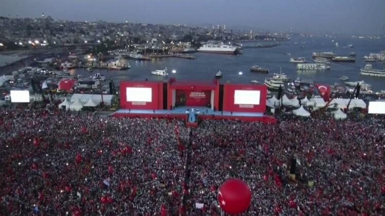 تظاهرة مليونية في إسطنبول تنديدا بالانقلاب!