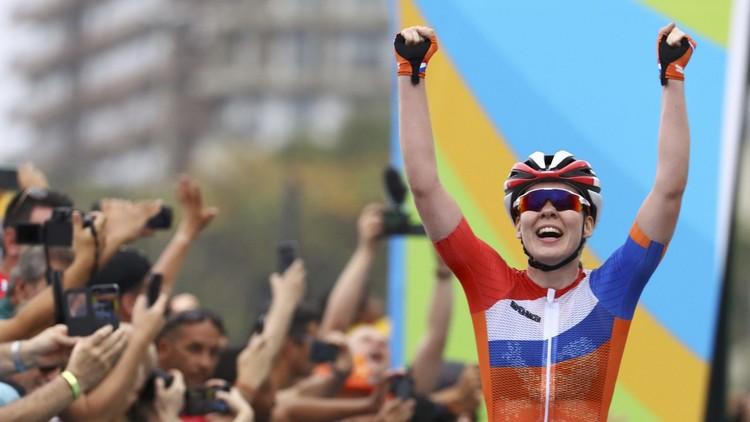 الهولندية فان دير بريخن تحرز ذهبية الدراجات