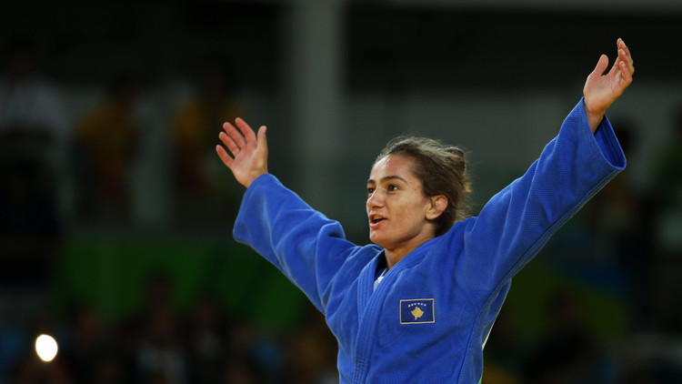 كلمندي تهدي كوسوفو أول ميدالية ذهبية في تاريخ الأولمبياد
