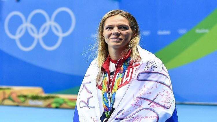 كينغ تحرم يفيموفا من ذهبية سباحة 100 متر صدرا