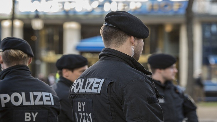 الشرطة الألمانية اعتقلت لاجئ سوري بتهمة الإنتماء لداعش coobra.net