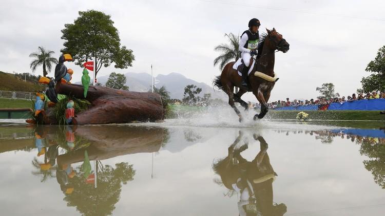 الألماني يونغ يفوز بثاني ذهبية أولمبية في الفروسية