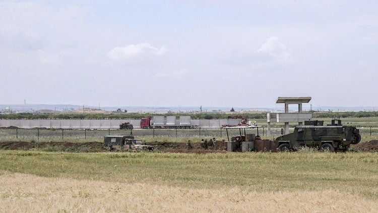 تركيا قد تغلق حدودها مع سوريا بطلب من موسكو