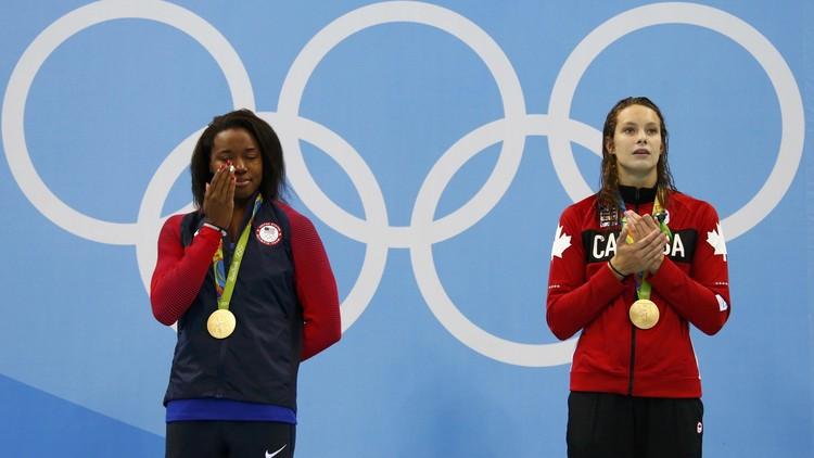 سباحة سمراء تتوج بأول ذهبية أولمبية