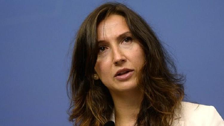 استقالة أصغر وزيرة في السويد بعد ضبطها وهي تقود مخمورة