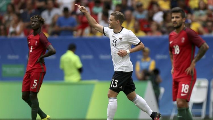 الأولمبي الألماني  لكرة القدم يبلغ المربع الذهبي