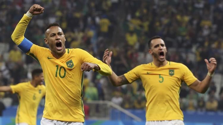 البرازيل تبلغ المربع الذهبي لمسابقة لكرة القدم