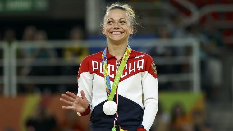 الروسية باسيكا تفوز بفضية حصان القفز