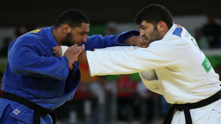 اللجنة الدولية الأولمبية تلوم لاعب الجودو المصري لرفضه مصافحة الإسرائيلي