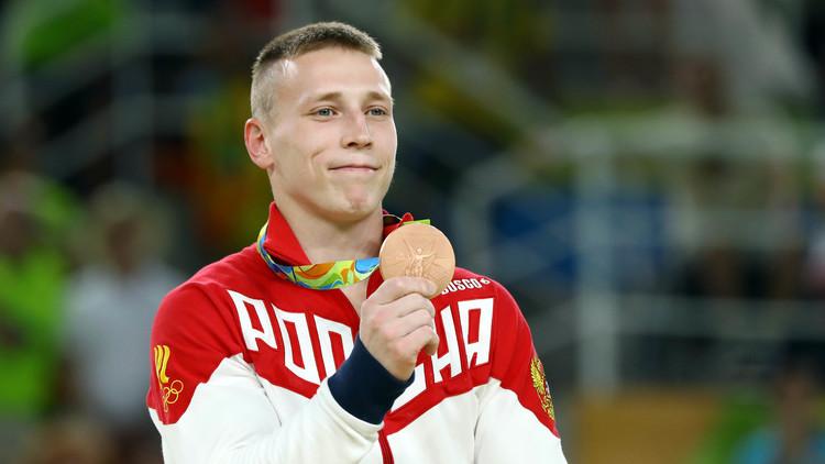 الروسي أبلازين يفوز ببرونزية جهاز الحلق