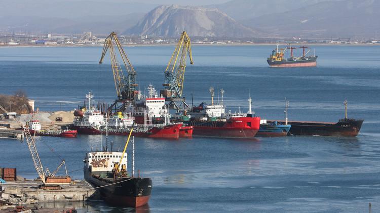 بحارة سوريون في بحر اليابان يبحثون عن طريق العودة للوطن